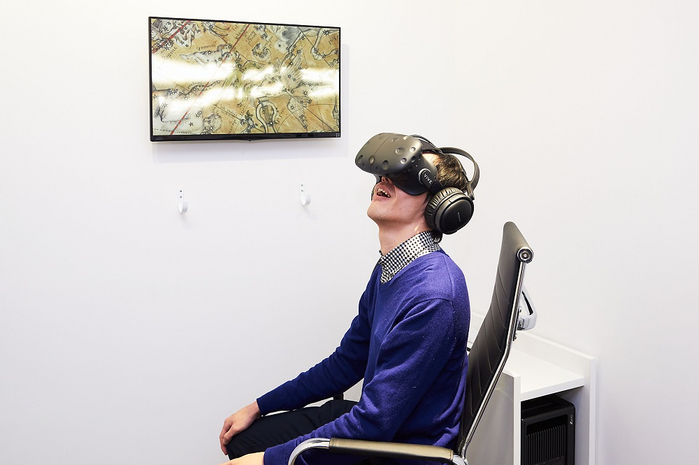 htc-vive-dnp-bnf-globes-in-motion-3