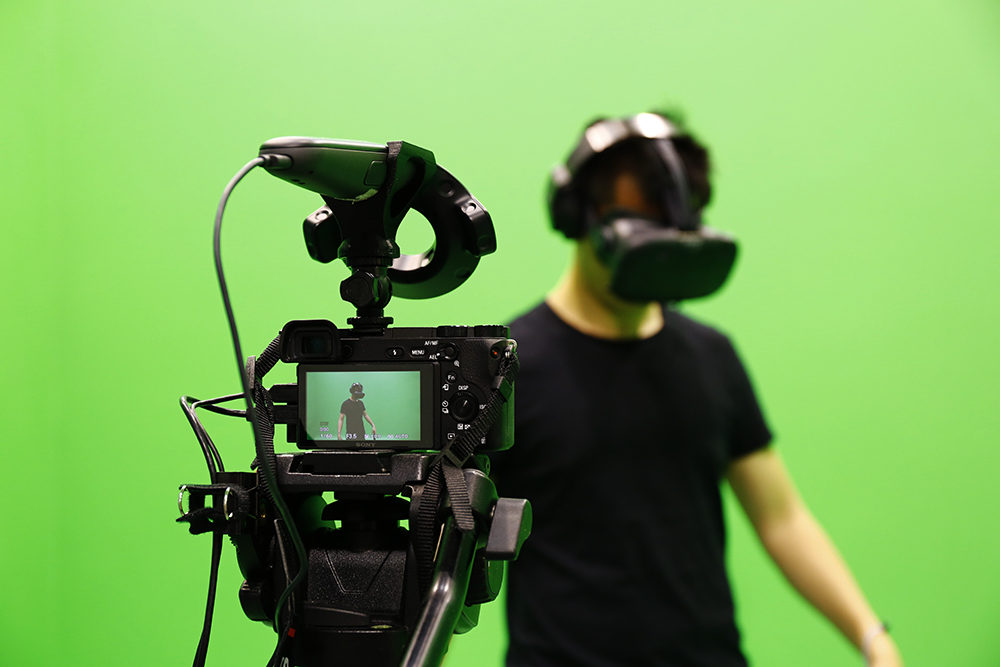 htc-vive-mixed-reality-video-green-screen1